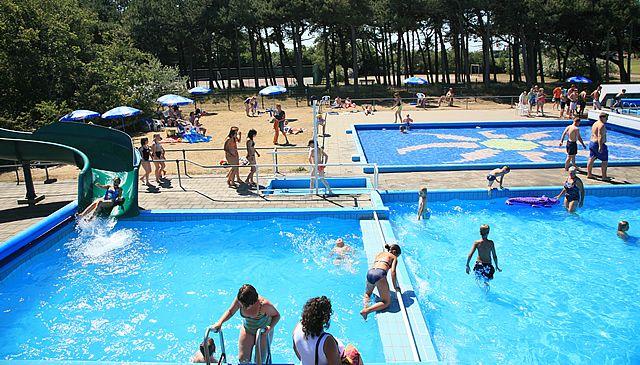 Zwembad de schalken camping roosdunen - Zwembad arrangement ...